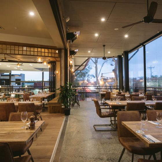 steak and seafood restaurant byron bay cocktail bar